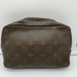 💯Auth Louis Vuitton Trousse 23